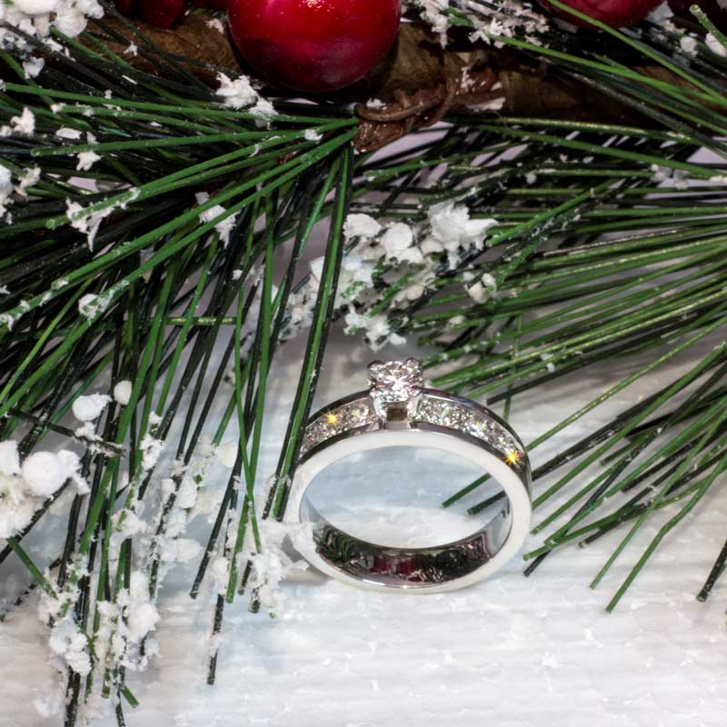 Кольцо-из-белого-золота-с-бриллиантами-(1)