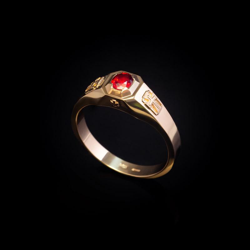Кольцо-мужское-с-рубином