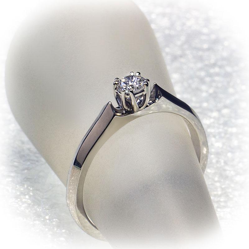 Кольцо-помолвочное-с-бриллиантом-(1)