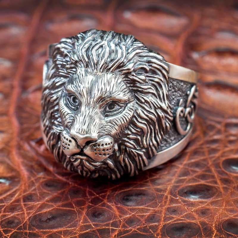 Кольцо-с-инициалами-из-серебра