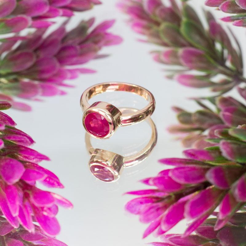 Кольцо-с-натуральным-рубином