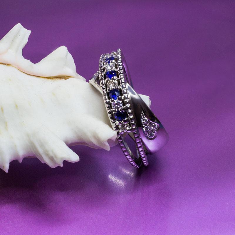 Кольцо-с-сапфирами-и-бриллиантами