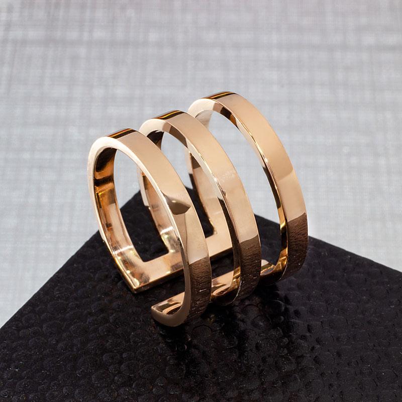 Кольцо-тройное