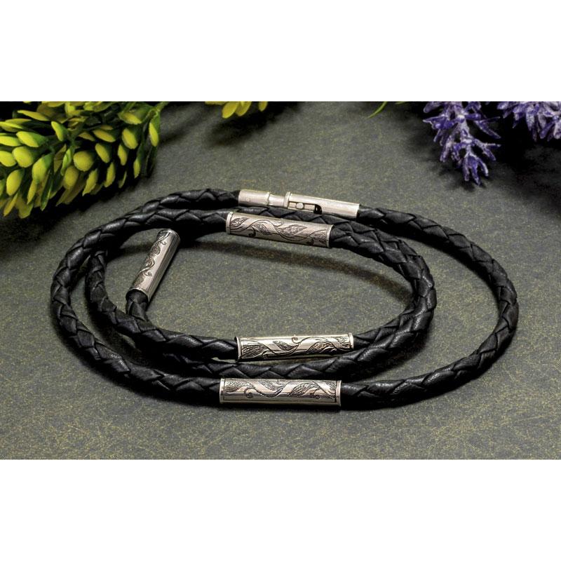 Кожаный-шнурок-с-серебряными-вставками